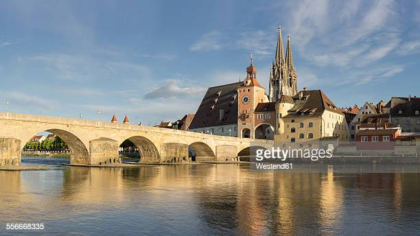 germany, bavaria, regensburg, view of old town and old stone bridge - regensburg stock photos and pictures