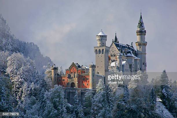 Germany Bavaria Snowcovered 'Neuschwanstein' castle in wintertime