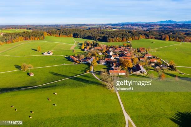 germany, bavaria, upper bavaria, alpine foothills, toelzer land, aerial view of peretshofen, near dietramszell - dorf stock-fotos und bilder