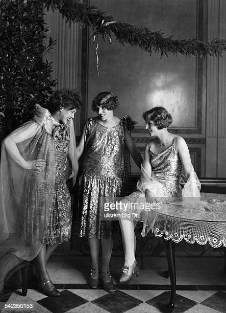 Germany Berlin Ball of the Berliner Secession Actress CAmila Spira Mrs Roehricht and actress Wolf Roehricht 1926