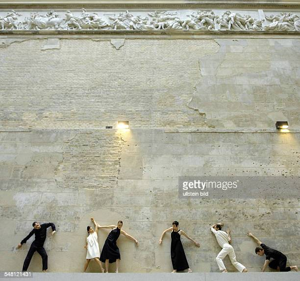 Germany Berlin Berlin Ensemble Sasha Waltz Guests shows 'Dialoges 09 New Museum' at the New Museum Greek courtyard