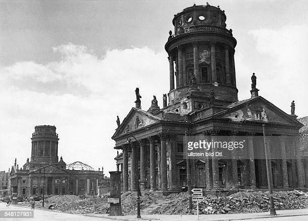 Germany Berlin Berlin Postwar years view at the demolished Place Gendarmenmarkt after the World War II the ruins of the Franzoesischer Dom and the...
