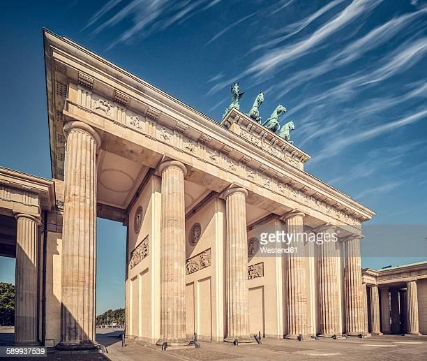 germany, berlin, brandenburg gate - brandenburger tor stock-fotos und bilder