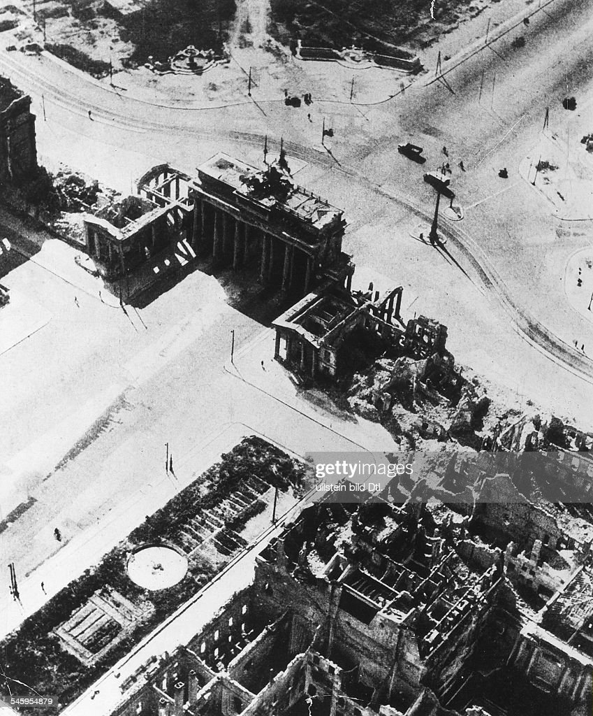 The ruin at the Pariser Platz. about 20. picture taken by Hans ...
