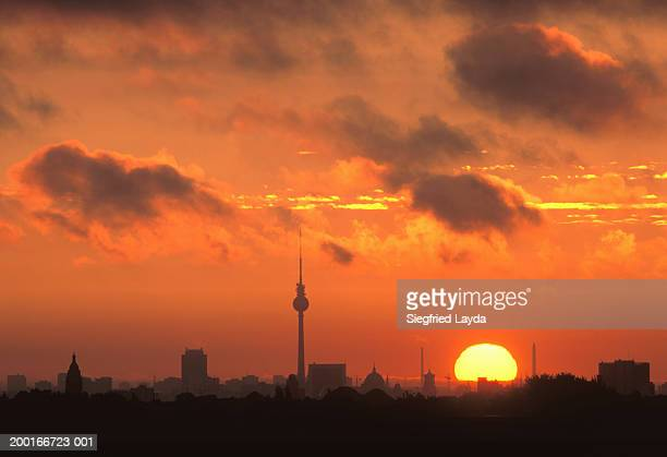 germany, berlin, city skyline, sunset - central berlin stock pictures, royalty-free photos & images