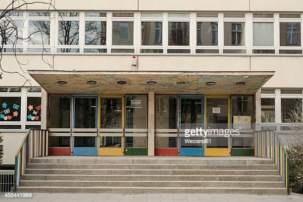 germany, berlin, entrance of school - schulgebäude stock-fotos und bilder