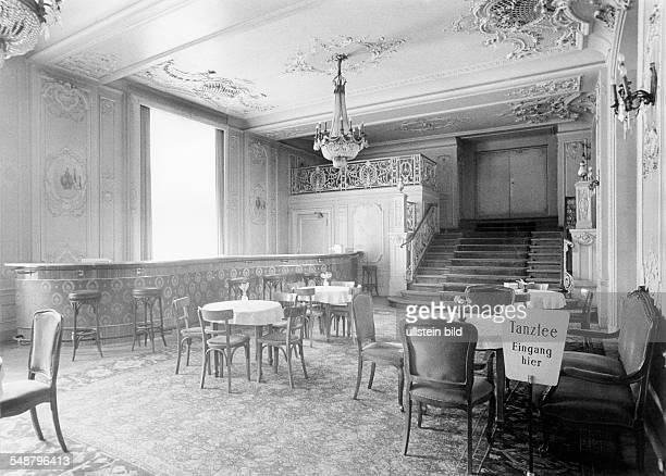 former breakfast salon of the Grand Hotel Esplanade now used for tea dance around 1970