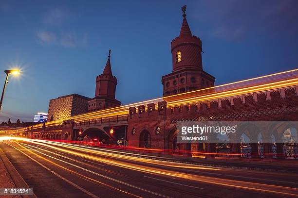 Germany, Berlin, Friedrichshain-Kreuzberg, Oberbaum Bridge, Light Trail