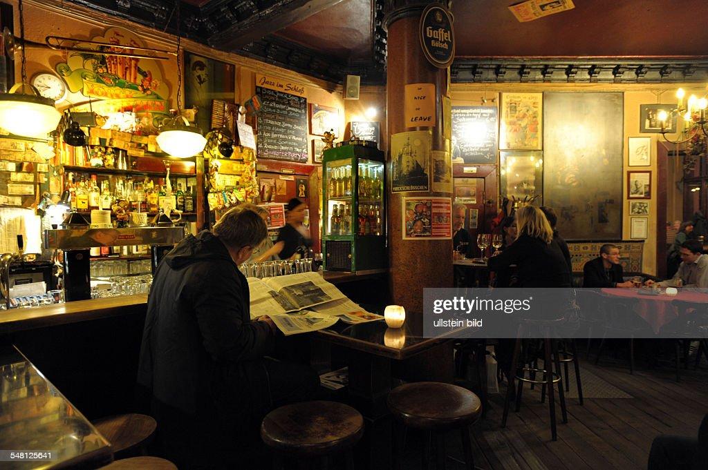 "Germany - Berlin - Kreuzberg (Friedrichshain-Kreuzberg): pub ""Yorckschloesschen"" - 19.12.2008 : News Photo"