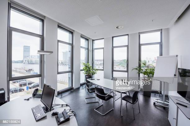 Germany, Berlin, office with view to Spree