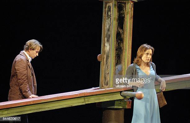 Germany, Berlin - Ort: Deutsches Theater Kammerspiele Berlin. Titel: Kasimir und Karoline. Autor: Oedoen von Horvath. Regie: Andreas Dresen. Buehne:...