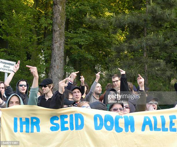 Germany Berlin Pankow protest of antiFascist groups against the demonstration of the citizens group 'Interessengemeinschaft PankowHeinersdorfer...