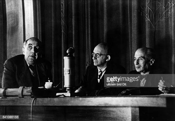 Germany Berlin Radio discussion at RIAS Berlin governing mayor of Berlin Ernst Reuter Journalist HannsPeter Herz and politican Kurt Landsberg 1948