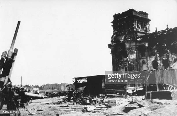 Germany Berlin Reichsag An antiaircraft gun in front of the ruin June 1945