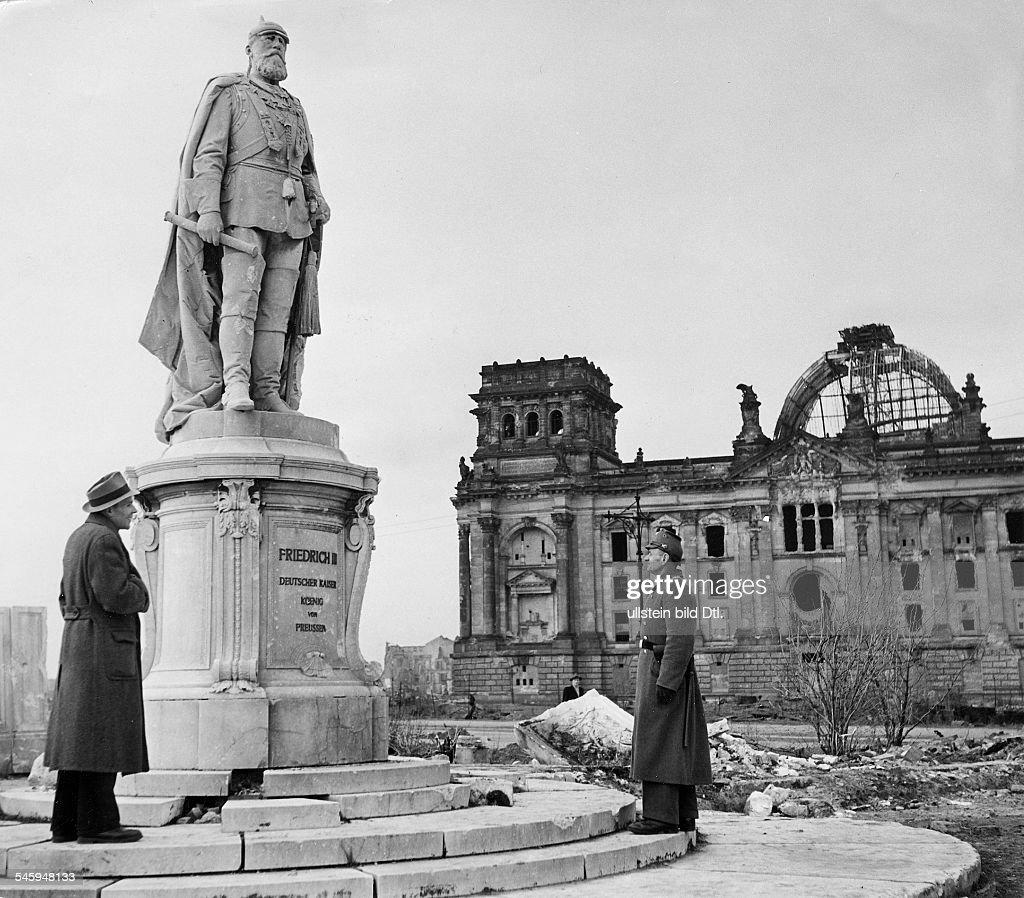Sag Berlin germany berlin reichsag monument of friedrich iii about 1950