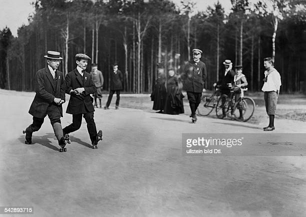Germany Berlin skating men showing a pair skating figure date unknown around 1909