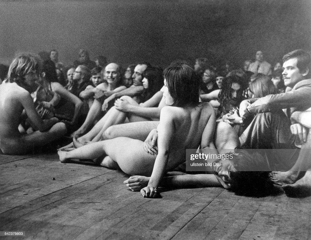 Germany, Berlin, Sportpalast: Guest performance of the New York 'Living Theater' - 1970 : Nachrichtenfoto