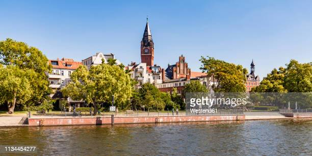 germany, berlin, treptow-koepenick, spree river, koepenick, old town, townhall, waterfront promenade - köpenick stock pictures, royalty-free photos & images