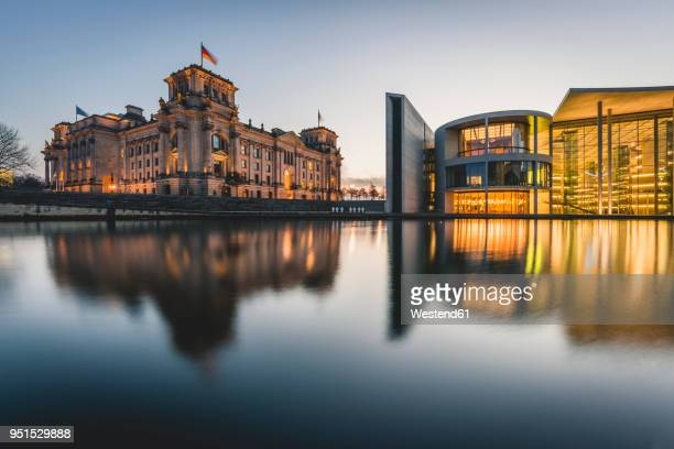 germany, berlin, view to reichstag and paul loebe house at sunset - ライヒスターク ストックフォトと画像