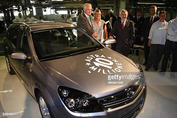 DEU Germany Bochum Opel Company the ten millionth Opel Astra is beeing produced Chairman Hans H Demant