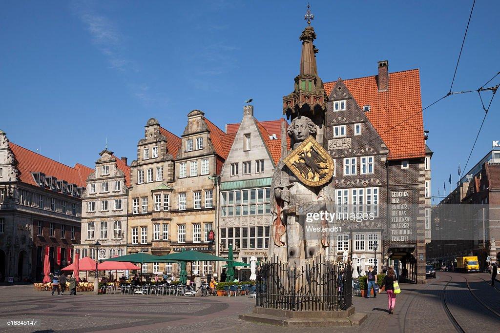 Germany, Bremen, Bremen Roland on market square : Stock Photo