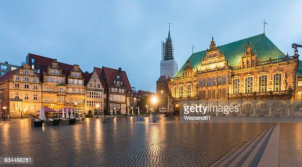 Germany, Bremen, Bremen Town Hall at market square in the evening