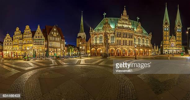 Germany, Bremen, market square at night