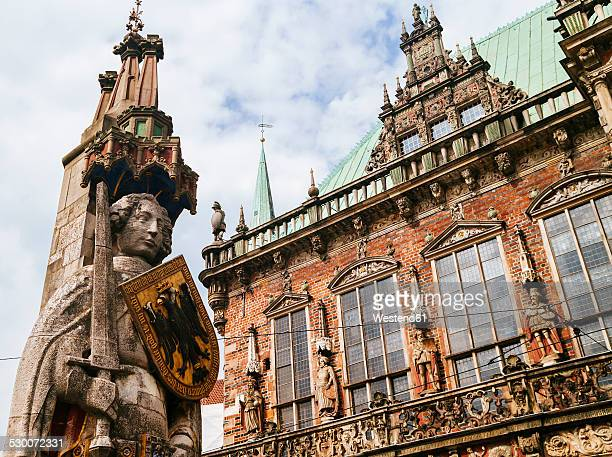 germany, bremen, statue of roland and town hall - bremen stock pictures, royalty-free photos & images