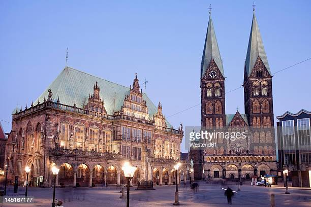 germany, bremen, view of town hall at market square - bremen stock pictures, royalty-free photos & images