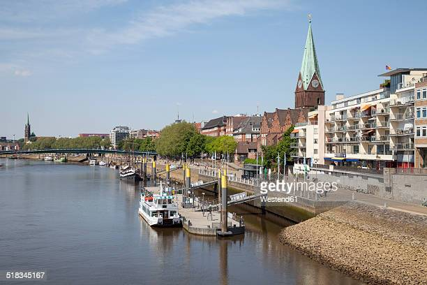 Germany, Bremen, view to boardwalk Schlachte and Martini landing pier