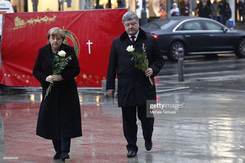 Merkel Meets With Ukrainian President Poroshenko : News Photo