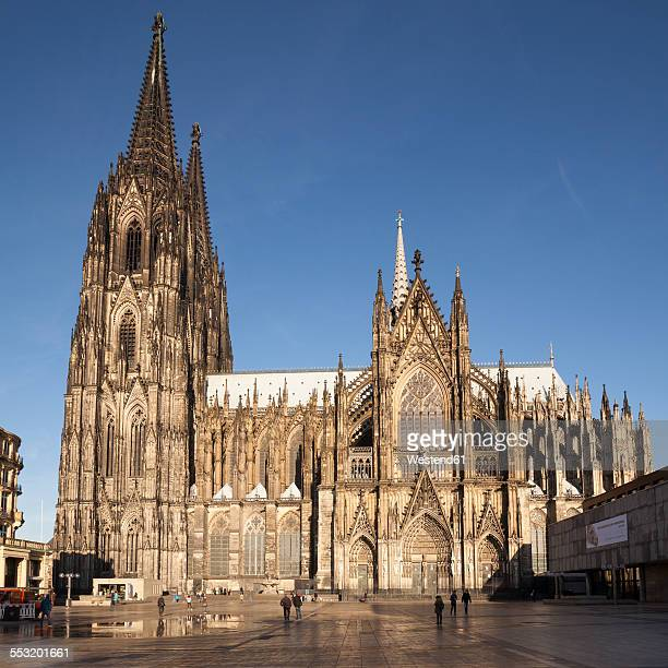germany, cologne, cologne cathedral in sunlight - cathedral stock pictures, royalty-free photos & images