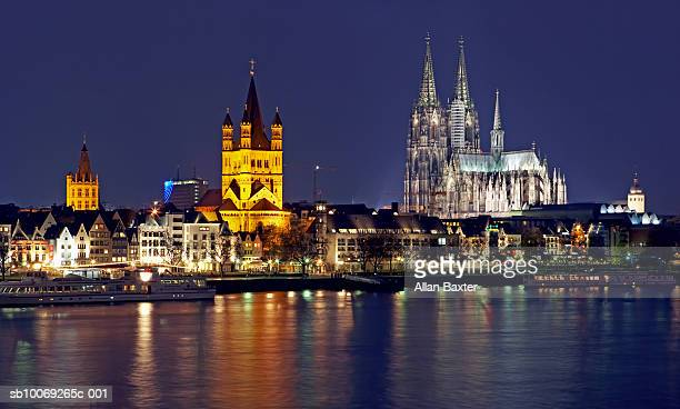 Germany, Cologne, Skyline with Cologne cathedral and Gross St Martin at night
