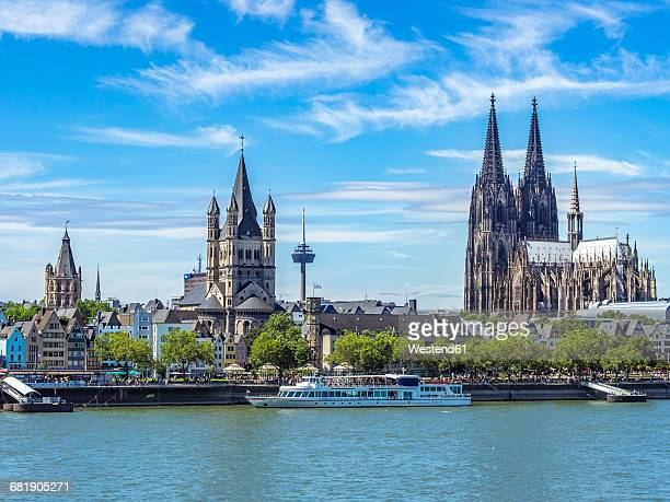 germany, cologne, view to the city with rhine river in the foreground - cologne cathedral stock photos and pictures