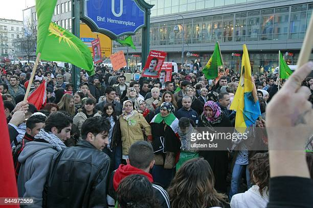 turkish kurds in Berlin protesting against planned turkish military intervention in NorthIraq in order to destroy stronholds of the militant kurdish...