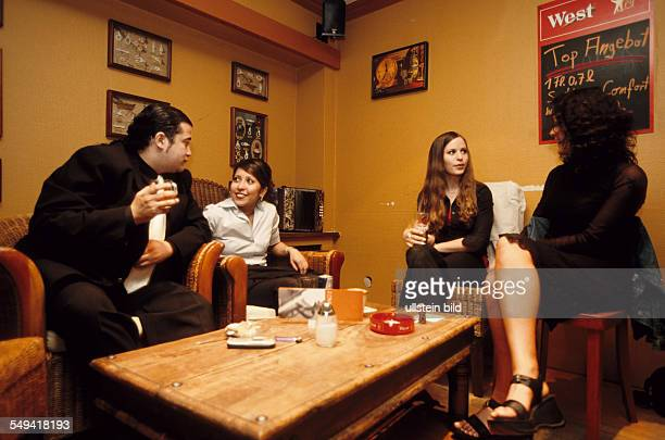 DEU Germany Dortmund 062002 Turkish Nights in the Ruhr Area Turkish Alevels school leavers from the right to the left Eylem Hatice Ayca and Veli...