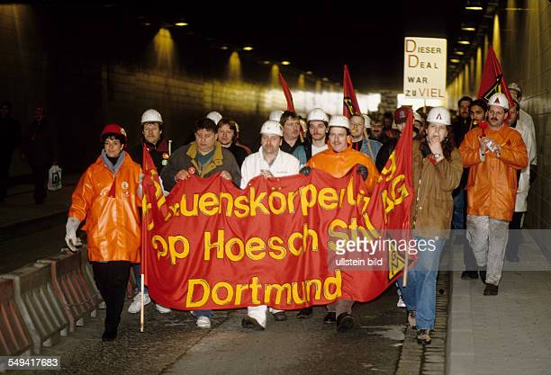 DEU Germany Dortmund Protest of steel workers KruppHoesch at the Borsigplatz Protest march to the company meeting in Dortmunds Westfalenhalle