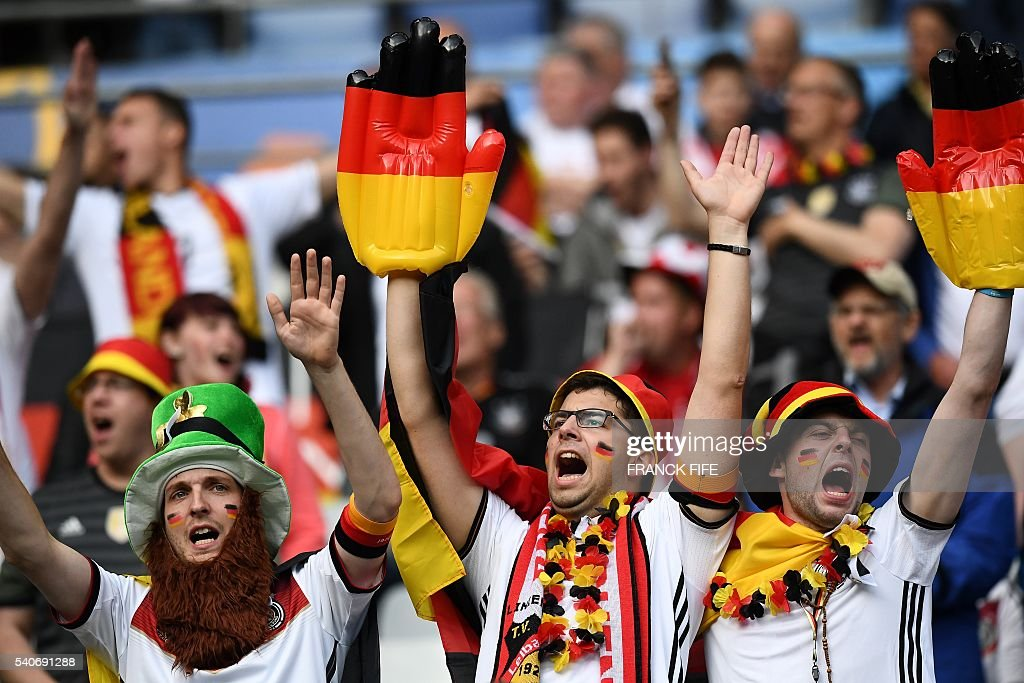 FBL-EURO-2016-MATCH18-GER-POL : News Photo