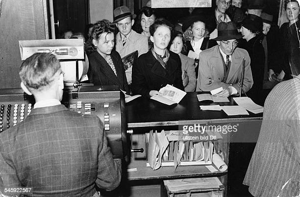 Germany fed rep monetary reform 20/21 june 1948 Crush of people at a bank counter the day before 19june 1948