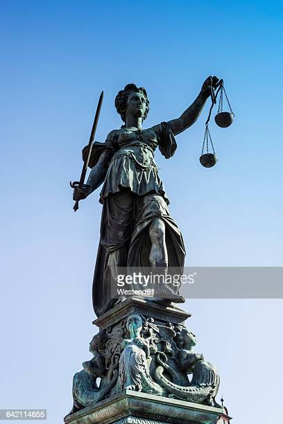 germany, frankfurt, fountain of justice, sculpture of justitia - lady justice stock pictures, royalty-free photos & images