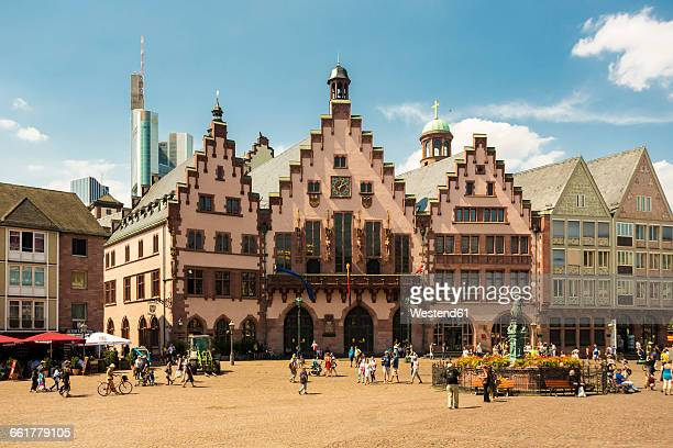 Germany, Frankfurt, Roemerberg and Gerechtigkeitsbrunnen at market square