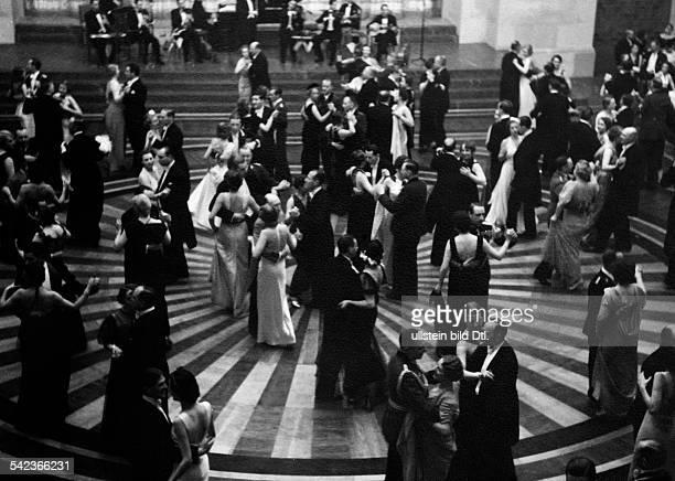 Germany Free State Prussia Berlin Berlin Dancing couples in a ballroom Photographer PresseIllustrationen Heinrich Hoffmann Published by 'Die Gruene...