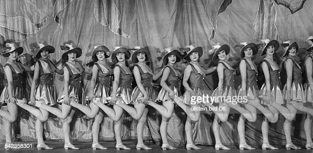 Germany Free State Prussia Berlin Berlin Revue girls undated probably 1926 Photographer Ernst Schneider Vintage property of ullstein bild