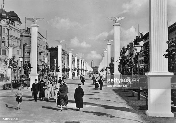 Germany Free State Prussia Berlin Berlin The avenue 'Unter den Linden' in decorations of the Third Reich historische Postkarte ca 1937 Vintage...