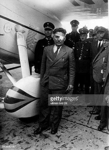 Germany Free State Prussia Berlin Berlin The US pilot Wiley Hardman Post at his Lockheed Vega plane 'Winnie Mae' after the landing at the airport...