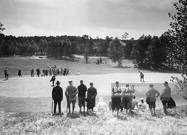 Germany Free State Prussia Berlin Berlin Today Der Golf und LandClub BerlinWannsee eV people playing golf 1926 Photographer Walter Gircke Published...