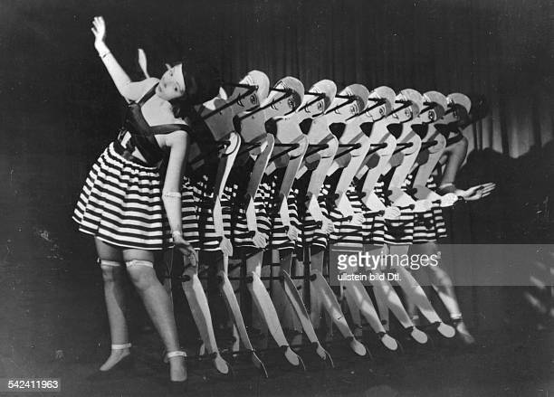 Germany Free State Prussia Berlin Berlin Vaudeville show The TingelTangel cabaret in Berlin the TingelTangel girls with Grit and Ina von Elben 1931...