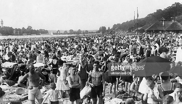 Germany Free State Prussia Berlin Berlin View on the overcrowded beach of Berlin Wannsee about 1927 Photographer Alfred Gross Published by...