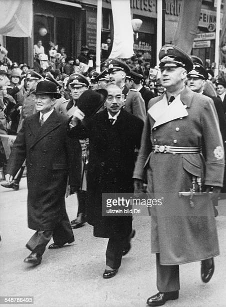 Germany Free State Prussia Berlin : Japanese Foreign Minister Matsuoka , his German counterpart Joachim von Ribbentrop and the Japanese Embassador...