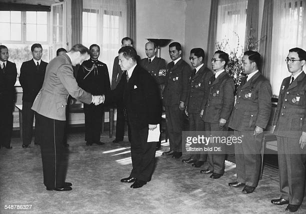 Germany Free State Prussia Berlin : Reception of an exchange group of the All Japanese Youth Association: Nazi Youth leader Artur Axmann welcomes the...